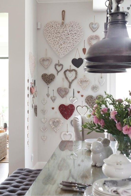 VINTAGE PINK RED HEARTS COLLECTION BOX CANVAS PRINT WALL ART PICTURE