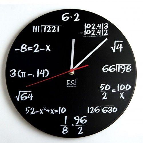 Mathe Uhr im Tafeldesign – Uhrzeit für Mathematiker