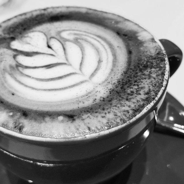 Latte ala Providore  #theprovidore #cafe #cafes #cafelife #coffee #caffeinfix #coffeetime #coffeeaddict #coffeelovers #coffeeart #latteart #barista #perfectcoffee #perfection #perfectcup #bw #bnw #b_w #blackandwhite #blackandgrey #blackandwhitephotography #blancoynegro #blancetnoir #photography #monochrome