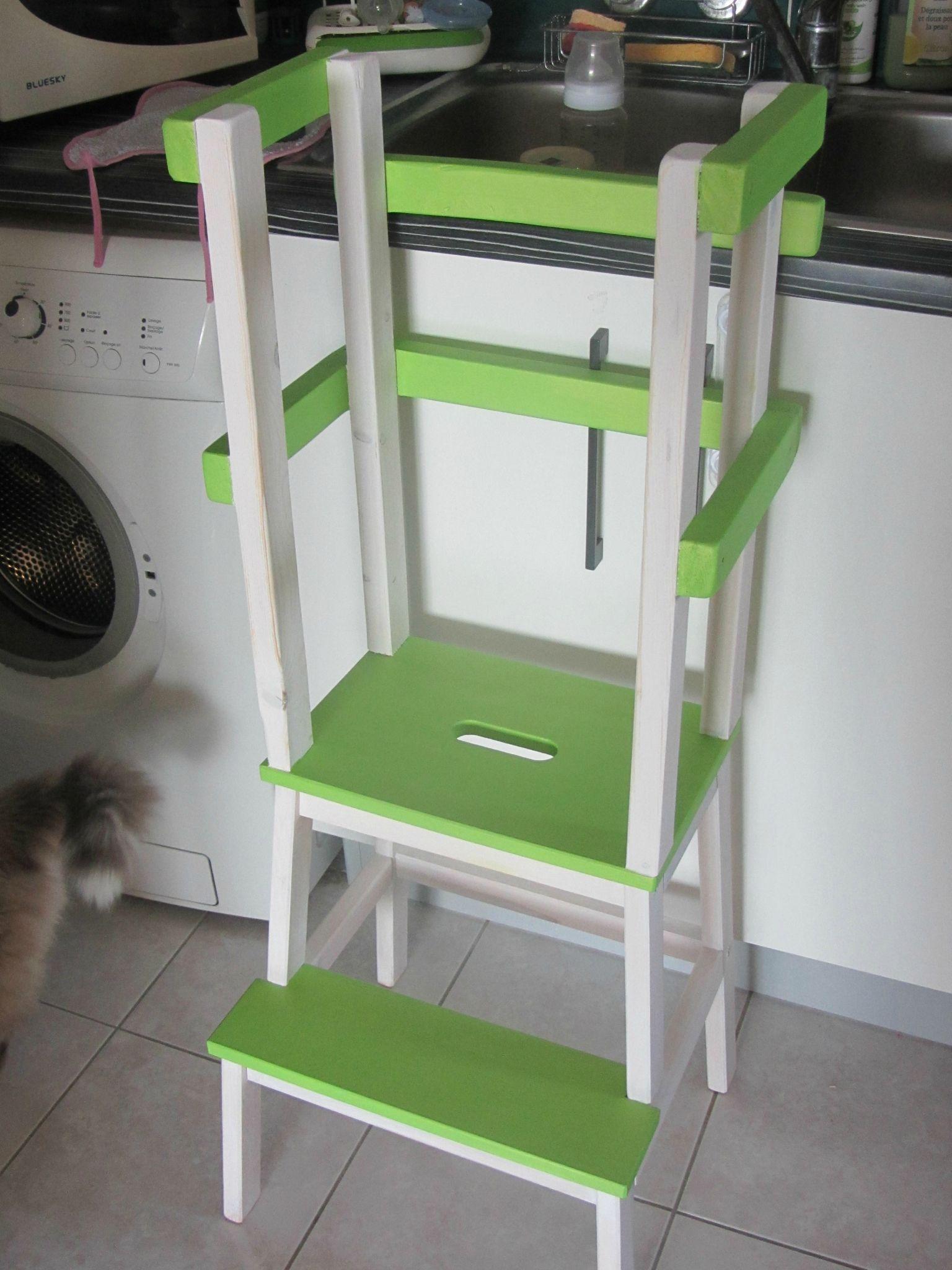 la tour d 39 aprentissage montessori et cie le scrap de ma escabeau enfant pinterest. Black Bedroom Furniture Sets. Home Design Ideas