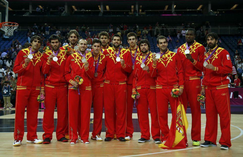 Fotos Los Españoles En Los Juegos Jugadores De Balonmano Deportes Baloncesto