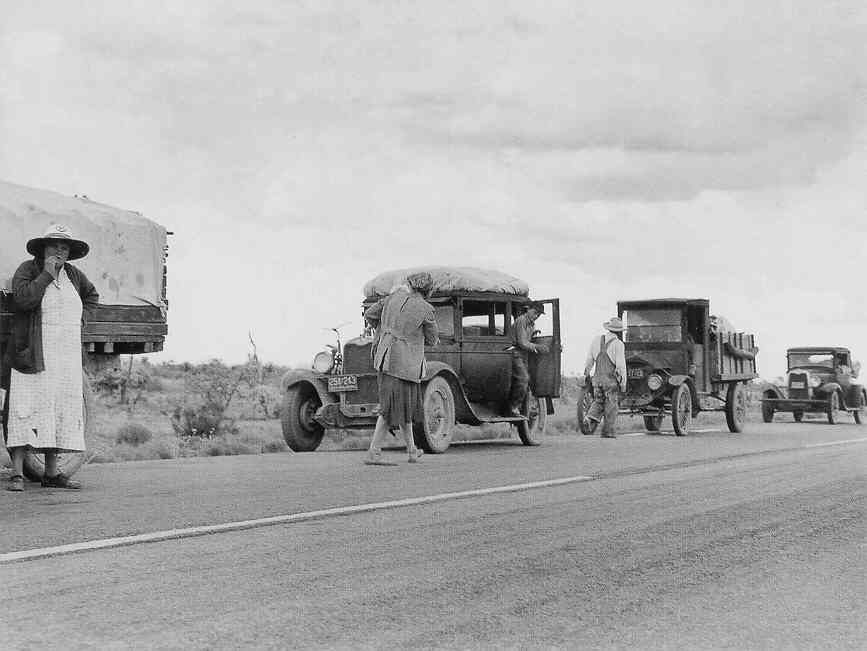 dust bowl migration The dust bowl featured severe dust storms that wreaked havoc on agriculture in  the prairies of canada and the us.