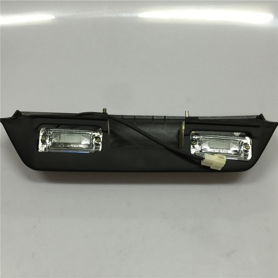 48.00$  Watch now - http://alipry.shopchina.info/go.php?t=32641461234 - For the latter Mitsubishi V31 V32 V33 Jones Black Edition car license plate license plate lamp light auto parts free shipping 48.00$ #bestbuy