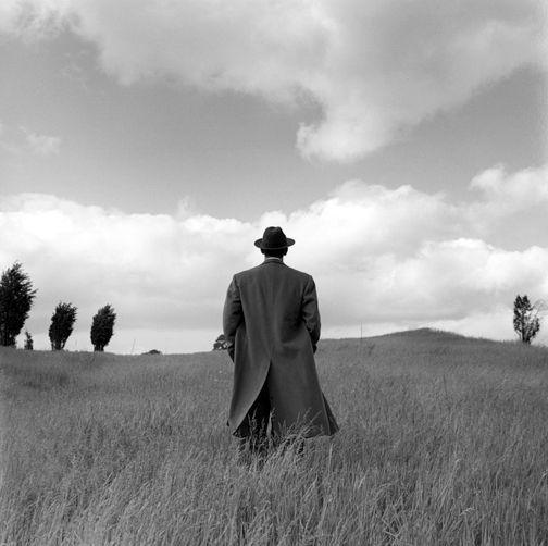 """""""Il visionario è l'unico realista.""""   photo by Rodney Smith"""