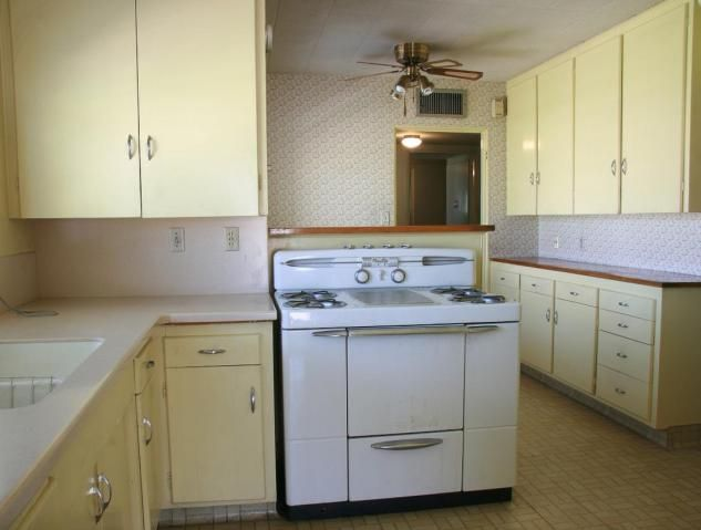 I Like The Light Yellow And White In The Kitchen 1950s Kitchen Phoenix Homes Desig Kitchen Cabinet Styles Kitchen Design Decor Mission Style Kitchen Cabinets