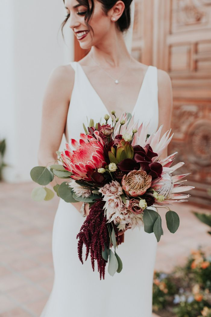 This Modern Romantic Wedding at The Polo Villas Mixes Cool and Warm Colors in the Prettiest Fashion | Junebug Weddings