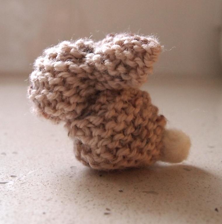 Free pattern knitted bunny knitting pinterest free pattern free pattern knitted bunny negle Choice Image