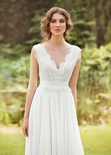 Our Top 10 Favorite Etsy Wedding Finds Right Now | Wedding dress ...