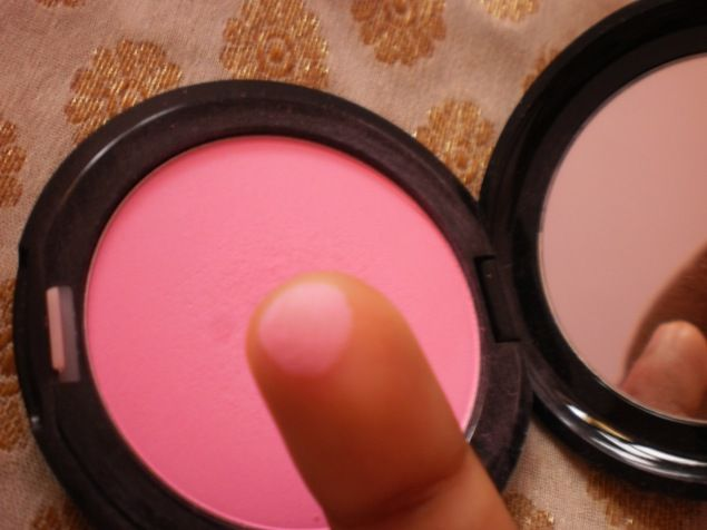 #Stila #Custom #Color #Blush #SelfAdjustingPink #Review #price and details on the blog #swatch