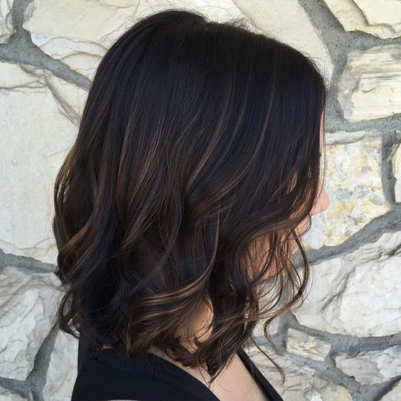 """Kaley Catren (Tearnen)'s Instagram photo: """"A beautifully subtle balayage with a dark chocolate base on a long bob 👌🏼 perfect for this beauty #balayage #balayagehighlights #lob…"""""""