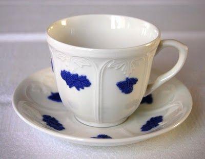 Kanske världens vackraste kaffekopp. Blå Blom, Gustavsberg.