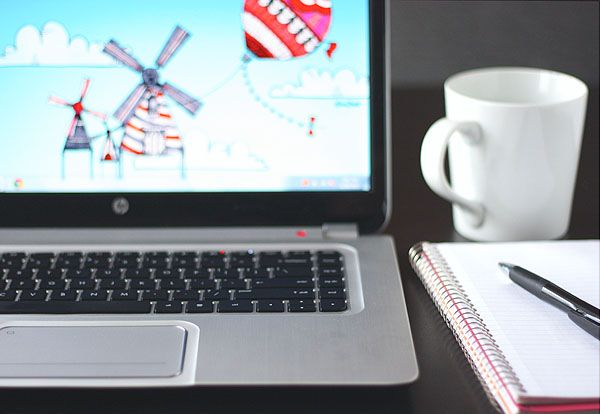 Organizing Your Digital Life: Along with tackling my physical clutter this year I'm going to sort out my digital clutter. Here is my game plan. New post up at Babble Voices.    http://www.babble.com/babble-voices/future-imperfect-megan-reardon/2013/01/31/organizing-your-digital-life/