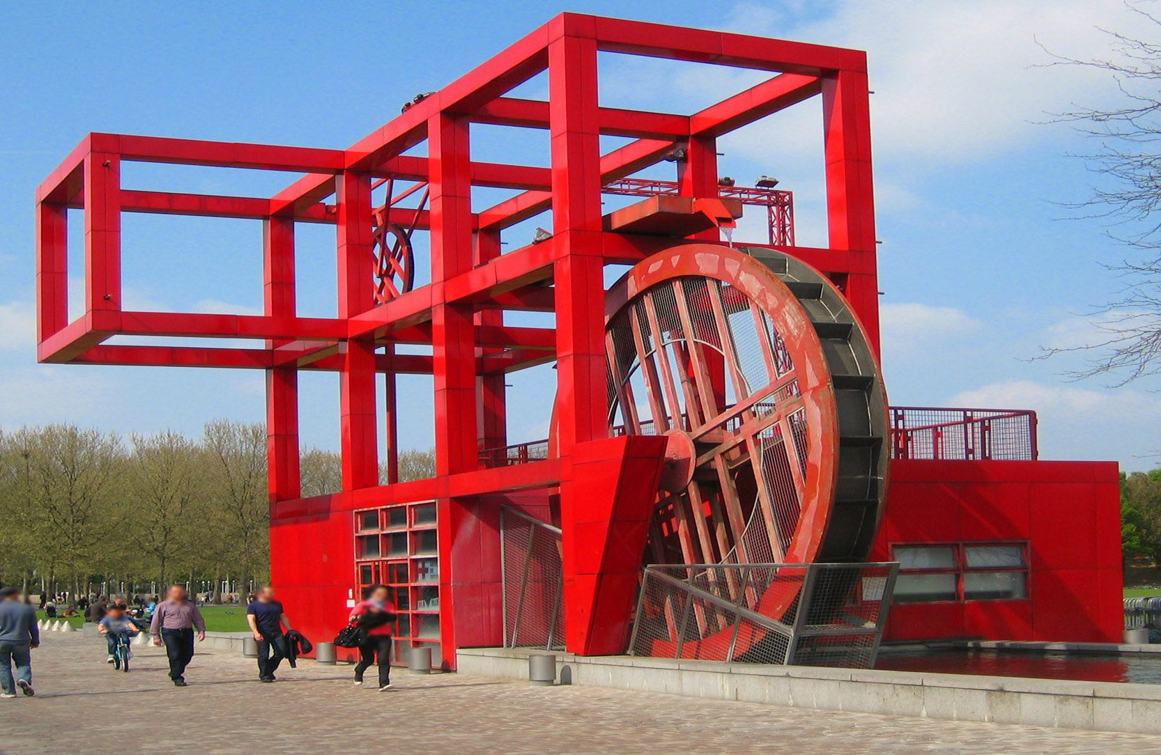 bernard tschumi parc de la villette paris france deconstructivist architecture pinterest. Black Bedroom Furniture Sets. Home Design Ideas