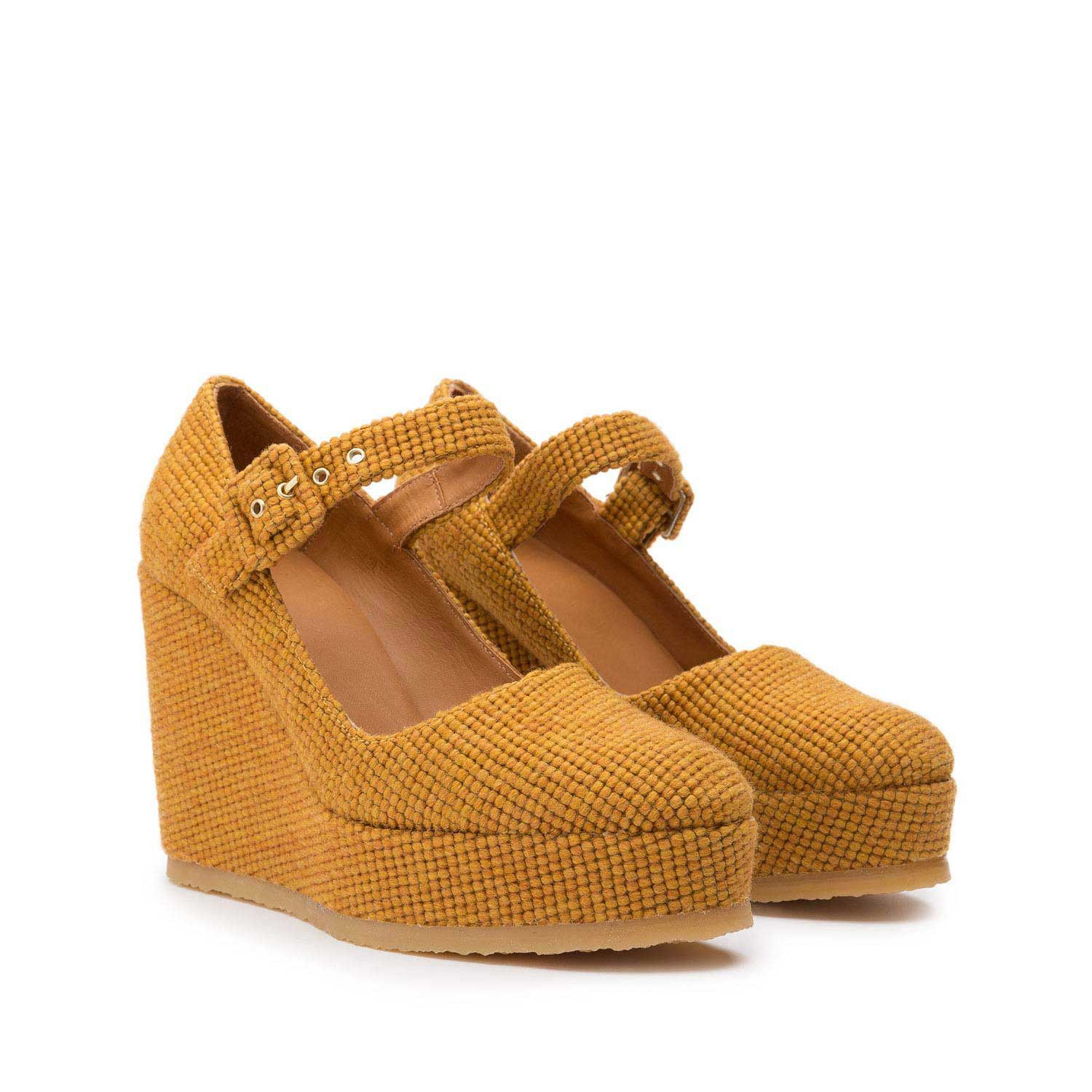 b4828dfdea09 Mary-Jane wedge shoe with wool