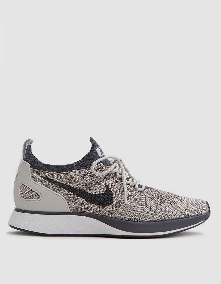 Air Zoom Mariah Flyknit Racer in Pale Grey | Cute shoes