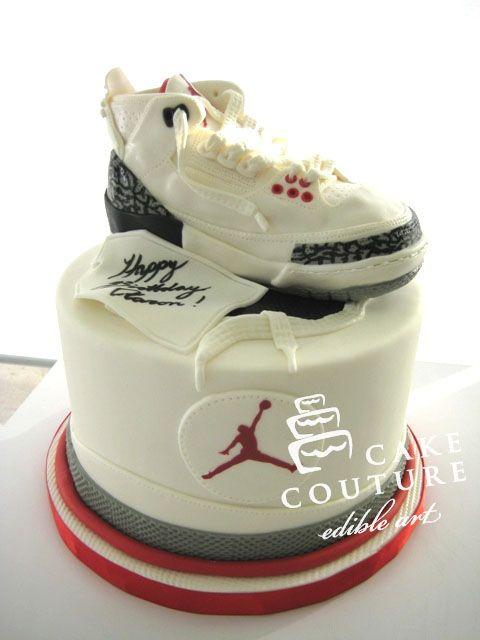 newest 454e9 7b454 Cake Couture - Sneakerhead appeal  WhiteCement3s  great  cake  seeskapeeska   wow  sports  kingsofsports  kos www.kingsofsports.com