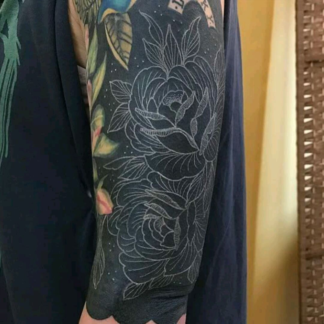 Amazing White Outline By Aaron Dear Blackedout Blackout Tracobranco Whiteoutline Blackwork Aarondear Black Tattoo Cover Up Tattoos Black Tattoos
