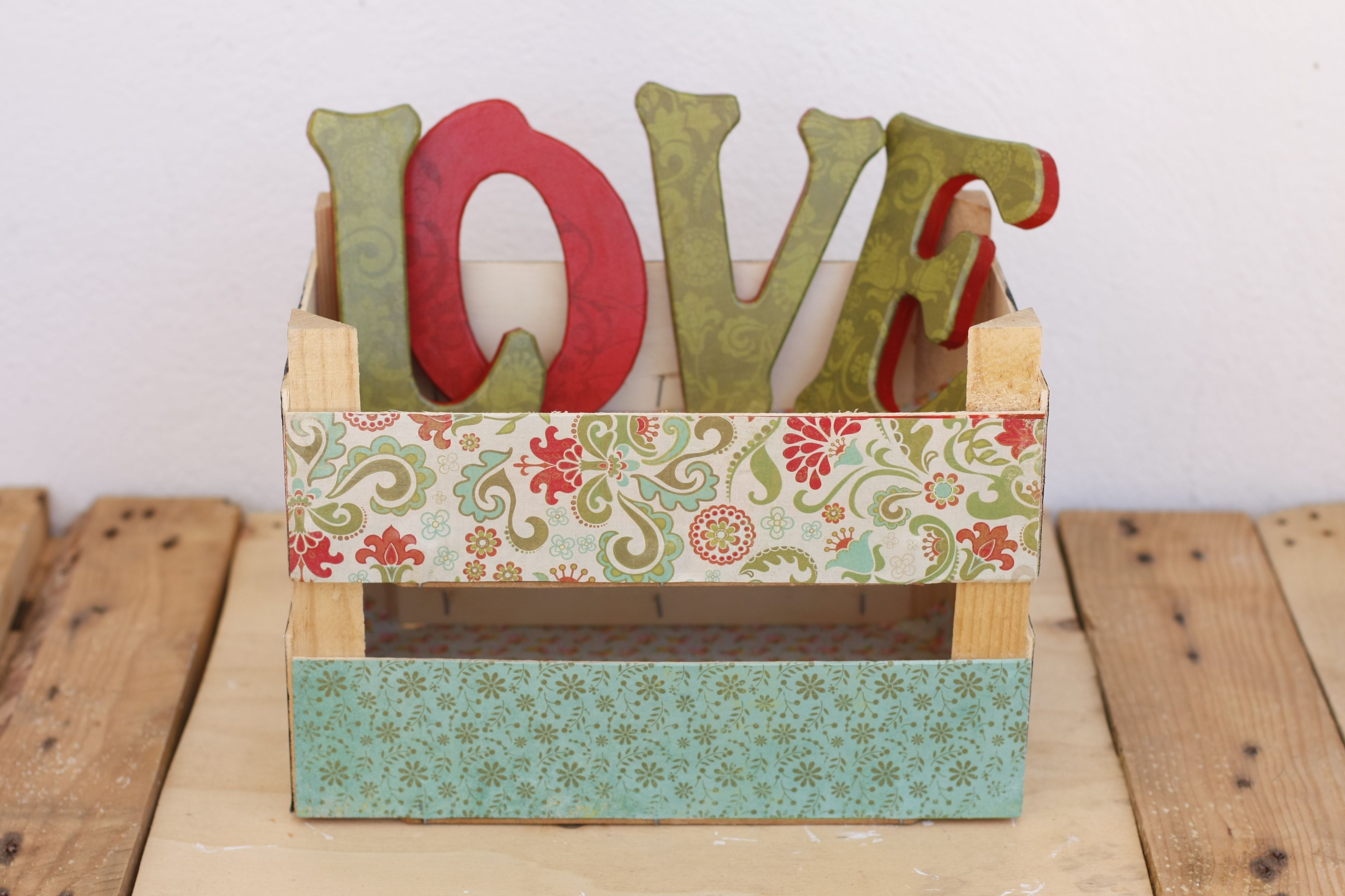 Letras y cajitas de madera decoradas a mano a la venta en - Cajas decoradas a mano ...