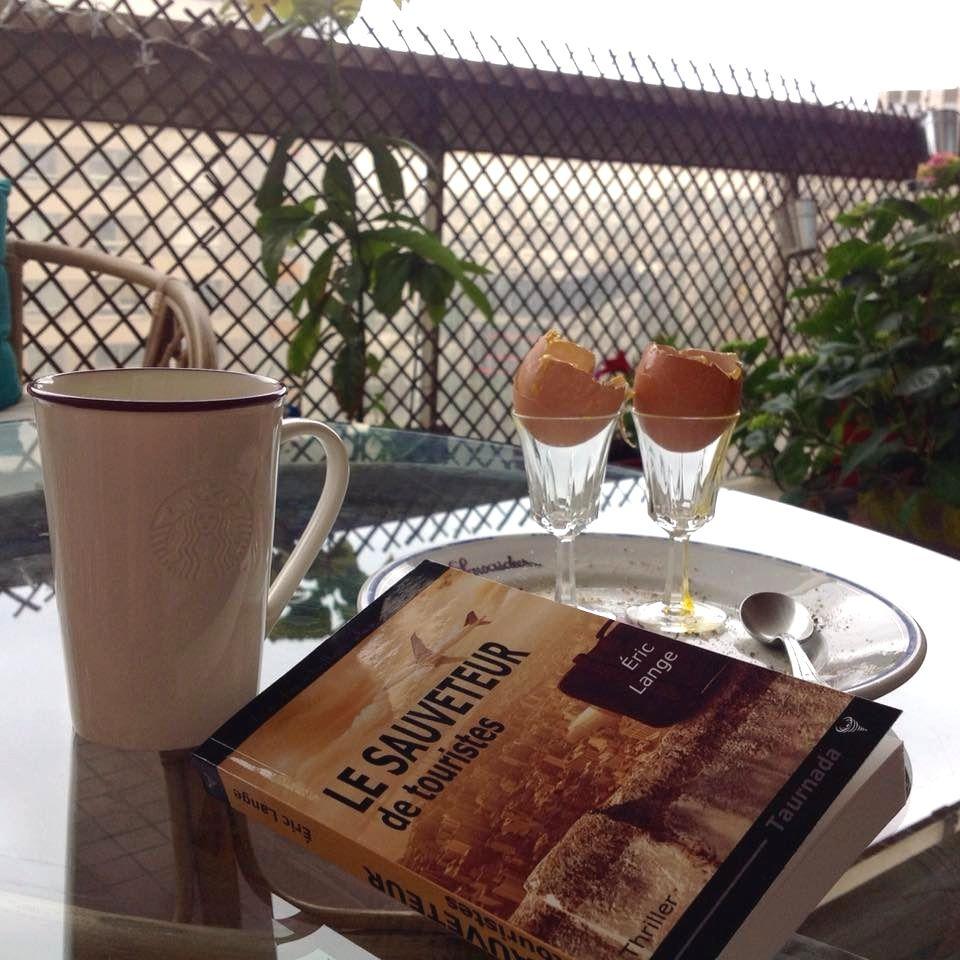Le Sauveteur' prend le petit déjeuner à Boulogne. Merci à Valentine.