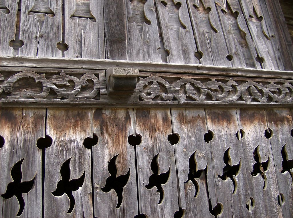 Casa in legno a San Candido - Parete intarsiata. Dettaglio. Italia. #TuscanyAgriturismoGiratola