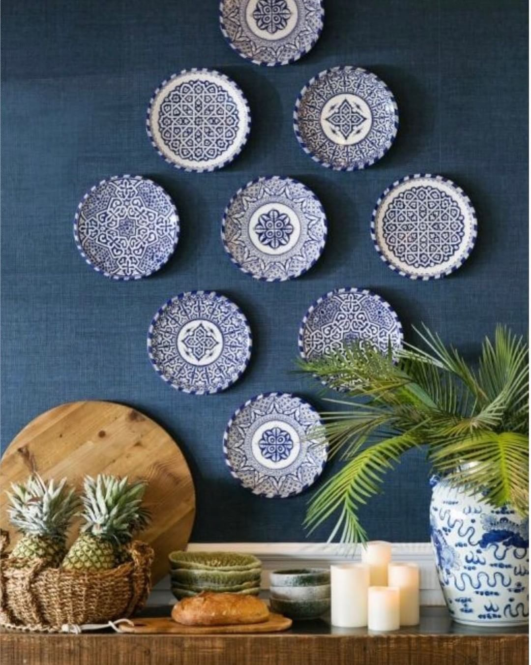 Blue And White Decorative Wall Plates Extraordinary Pinkylie B On Vignettes And Beautiful Displays  Pinterest Design Inspiration