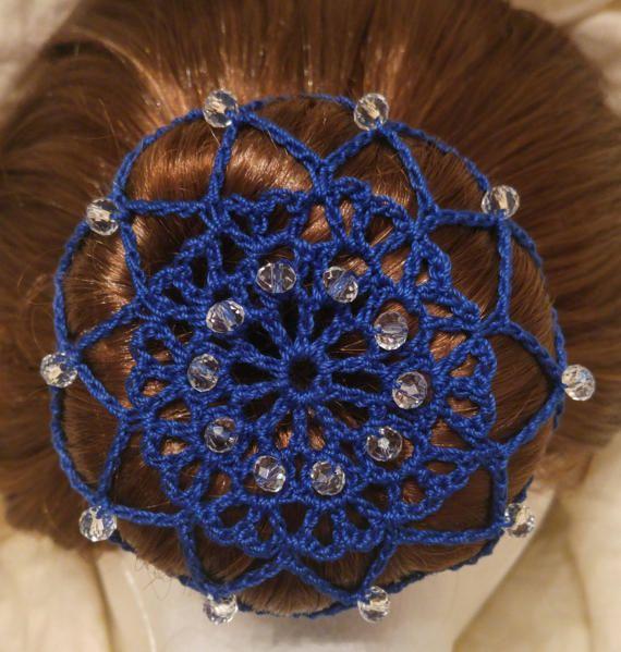 Redecilla de cubierta de bollo de ganchillo azul con cuentas ...
