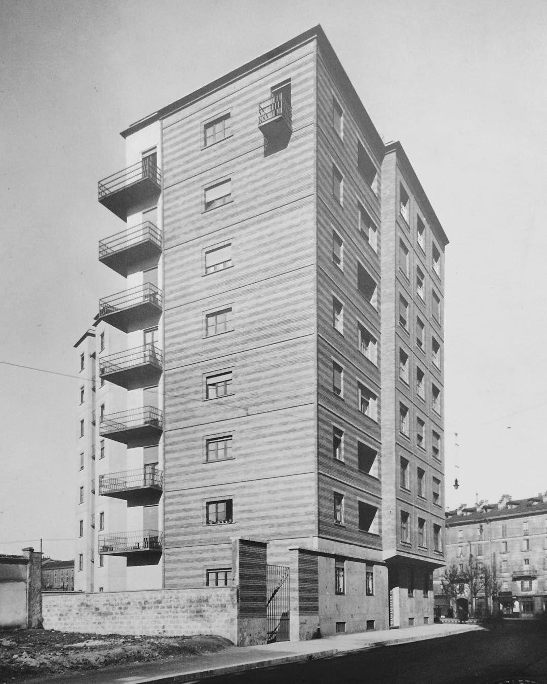 #muziomilano #viaappiani #polimi  1936 Casa dei Giornalisti I Via Montesanto 7/via Appiani 25  PARTECIPA a #MUZIOMILANO.  Scopri fotografa e condivisi su IG oltre 50 edifici progettati da Giovanni Muzio lungo il Novecento. Da Ca' Brütta alla Triennale. _________________________  #muziomilano è un'iniziativa di #archiviomuzio e @polimi in collaborazione con Ordine Architetti Milano @fondazionearchitettimi #casabella #AlumniPolimi. Scopri come partecipare cliccando il link in bio…