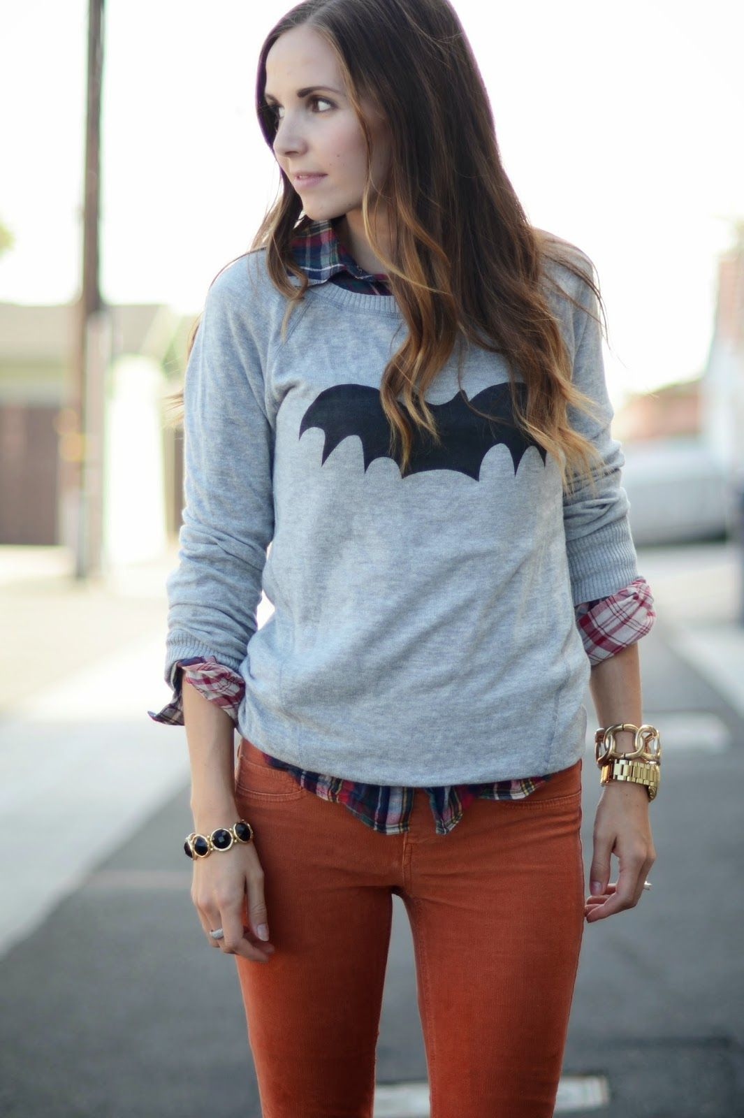 BATWOMAN (TUTORIAL)   Diy clothes tops, Fashion, Refashion