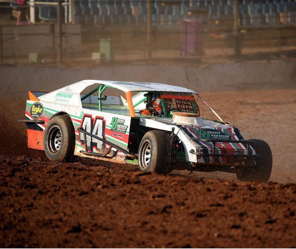 Pin by Nate on Dirt Modifieds Dirt track racing, Dirt
