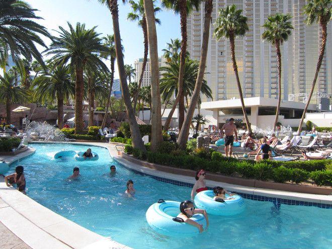 Best Family Pools In Las Vegas For Kids Family Vacation Hub Best Pools In Vegas Mgm Grand Las Vegas Pool Vegas Pools