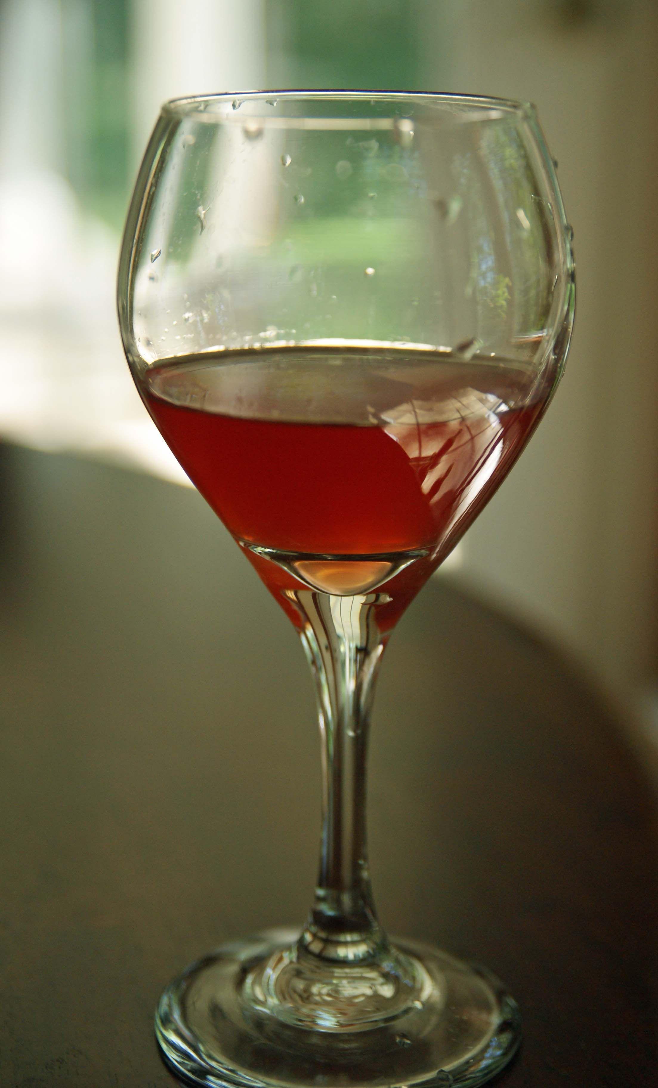 Make Your Own Strawberry Wine Strawberry Wine Wine Drinkers Wine