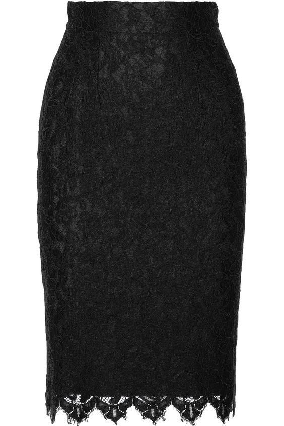 8ec9bfb1558 Outfits con faldas negras de encaje