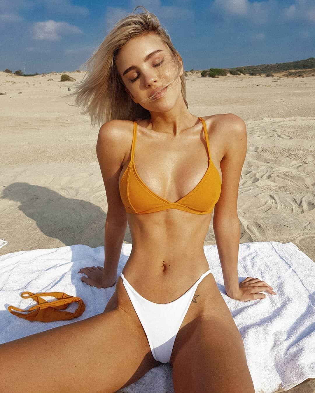 2c9a5f6a6fcad All day bikinis — Maria Domark