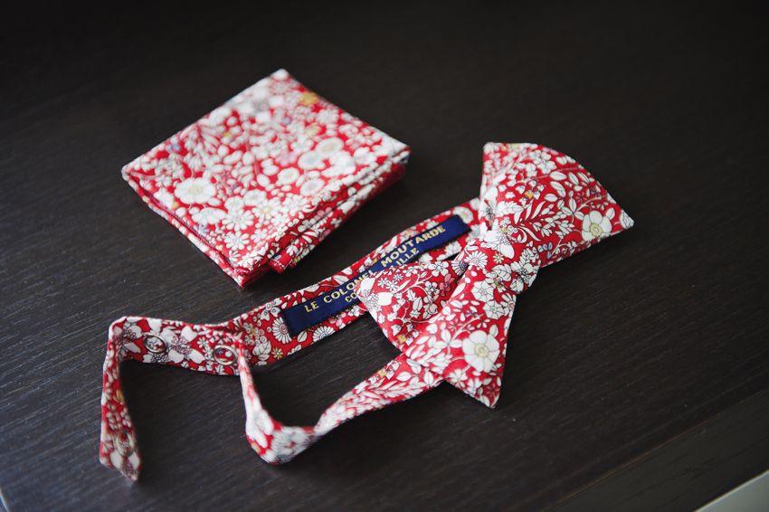Noeud papillon et pochette de costume  June Meadow Rouge  http://www.lecolonelmoutarde.com Photo : Emeline Hamon