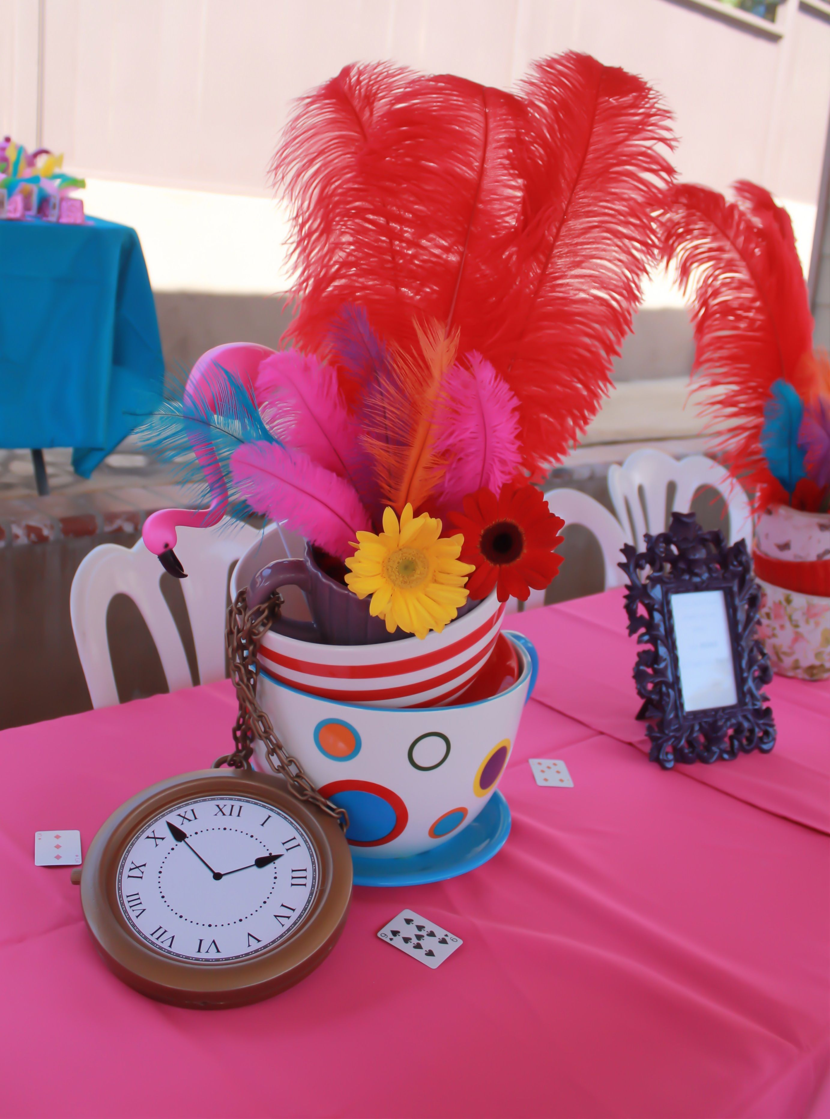 Alice in wonderland Centerpiece | Party Decor | Pinterest