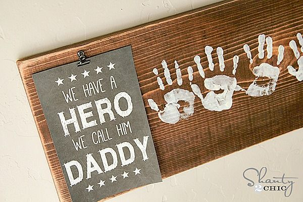 02f841879f3d Are you looking for easy Father s Day gifts from the kids  From printables  to handprint art that Dad will really enjoy.