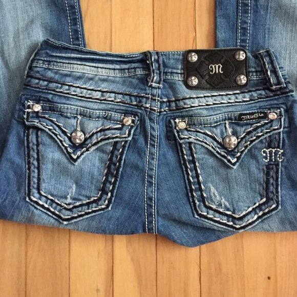 Miss Me Jeans Beautiful Miss Me Jeans have just been sitting in my closet. Only worn a couple of times so they are in great condition. True to size Miss Me Jeans Boot Cut