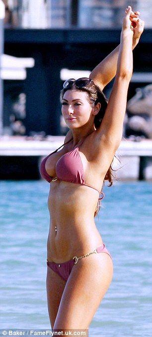 Luisa Zissman Shows Off Her Incredible Bikini Body -5717
