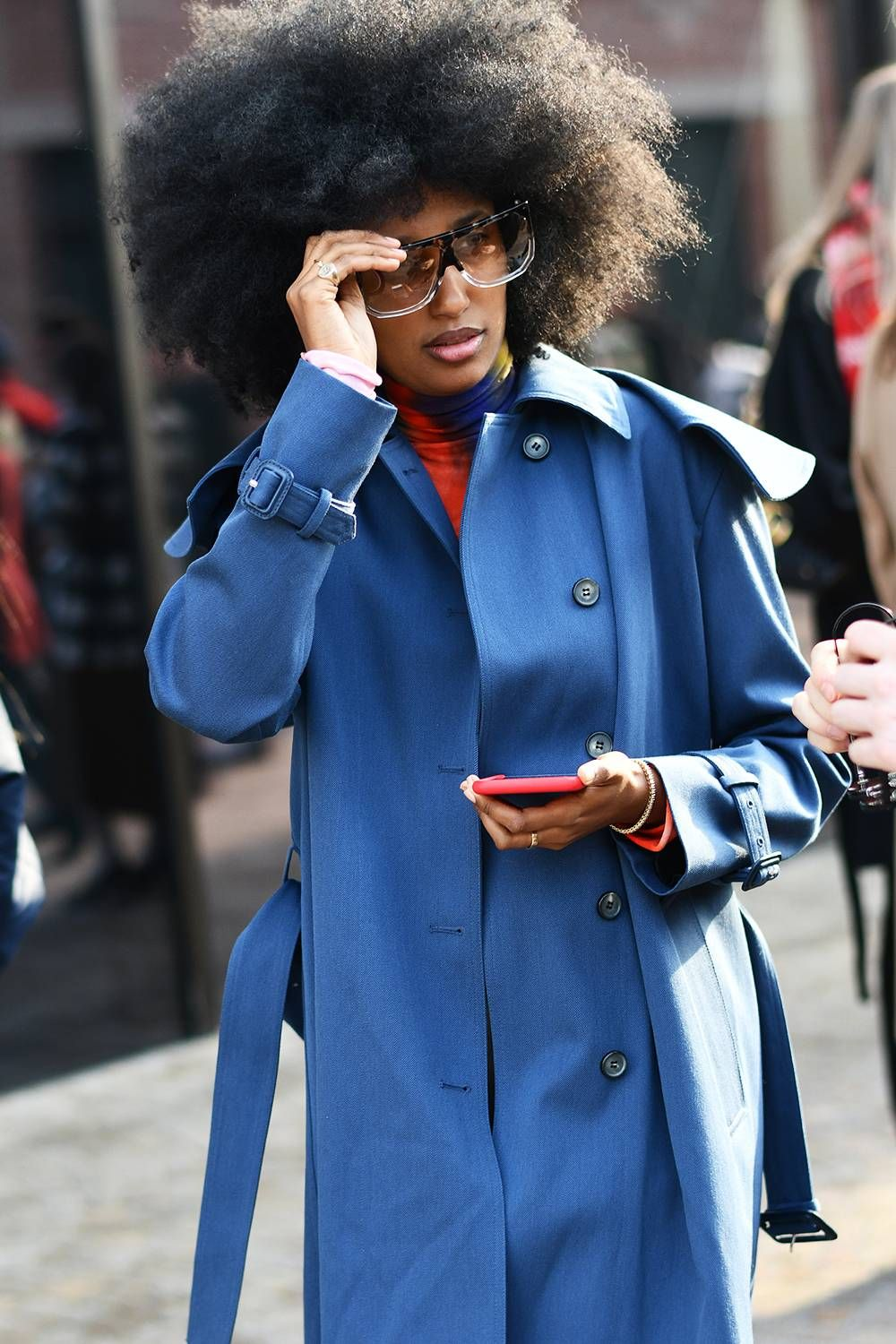 9 Street Style Signs That the 80s Trend Is Really Happening