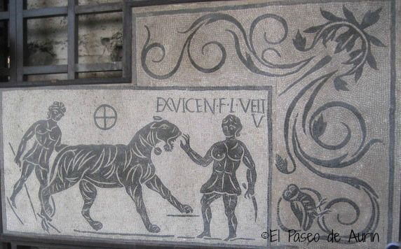 Mosaico en el interior del Coliseo. Y más…. | EL PASEO DE AURIN
