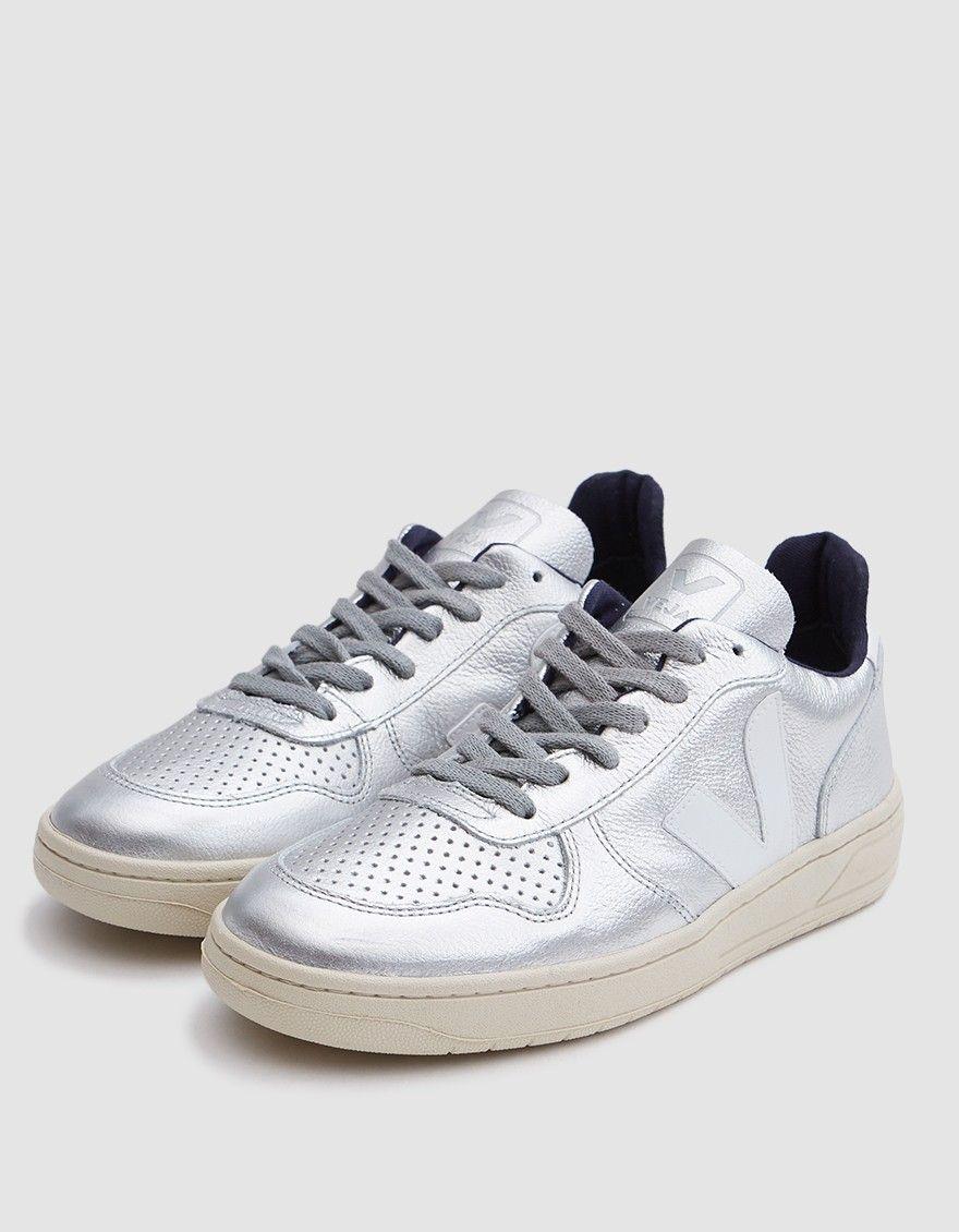 Veja / V-10 Sneaker in Silver