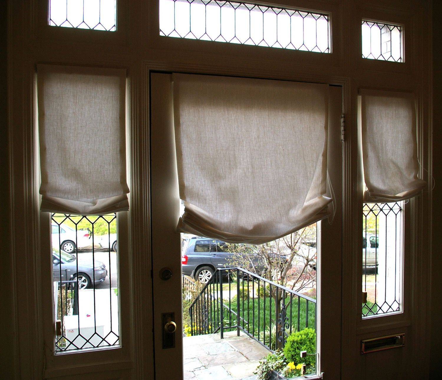 Curtains Drapes And Blinds For A Glass Front Door Front Doors With Windows Drapes Blinds Door Coverings