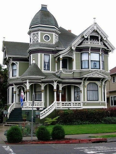 Love it Id make that very top area a library for sureVictorian Houses Love it Id make that very top area a library for sure 25 wild wonderful fantasy homes SF Victorian H...