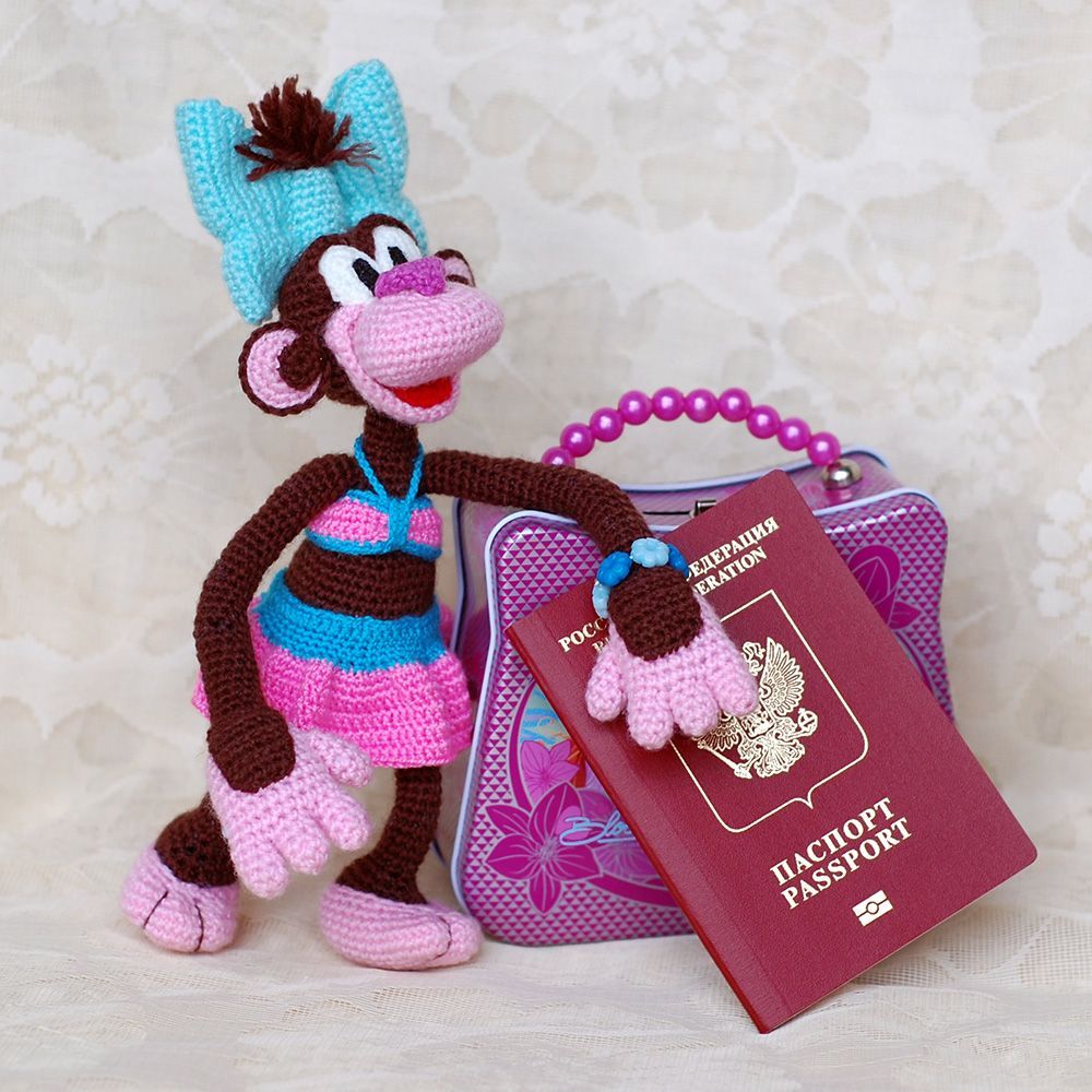 Monkey Trip. Coco is going to Thailand. Crochet toy journey. #InspredCrochetToys