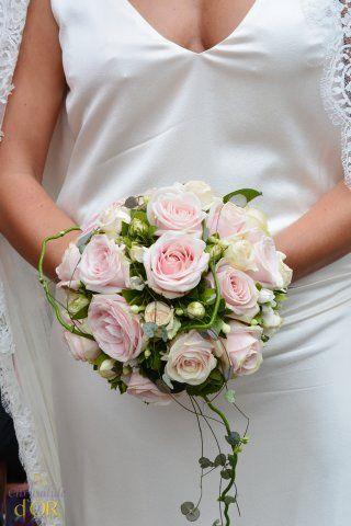 bouquet de mari e romantique bouquet rose pastel bouquets de mari e pinterest mariage. Black Bedroom Furniture Sets. Home Design Ideas
