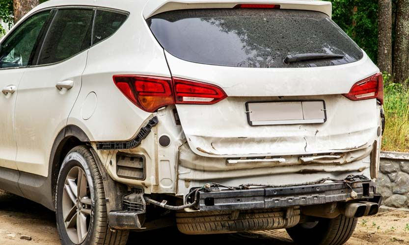 How to determine the resale value of a salvage car in