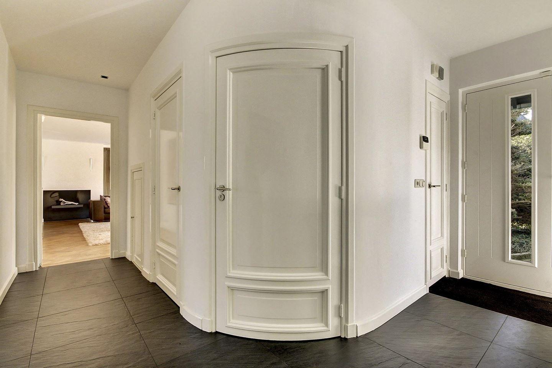 hallway hal ronde deur