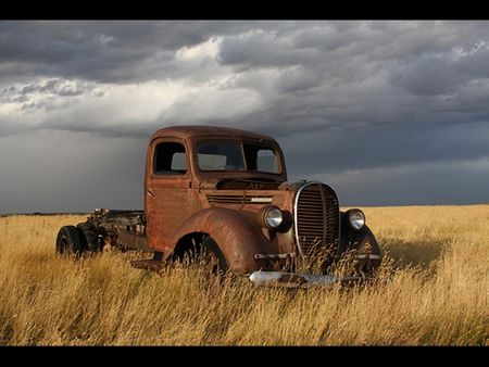 Rusty 1 Field Old Rust Truck With Images Old Trucks