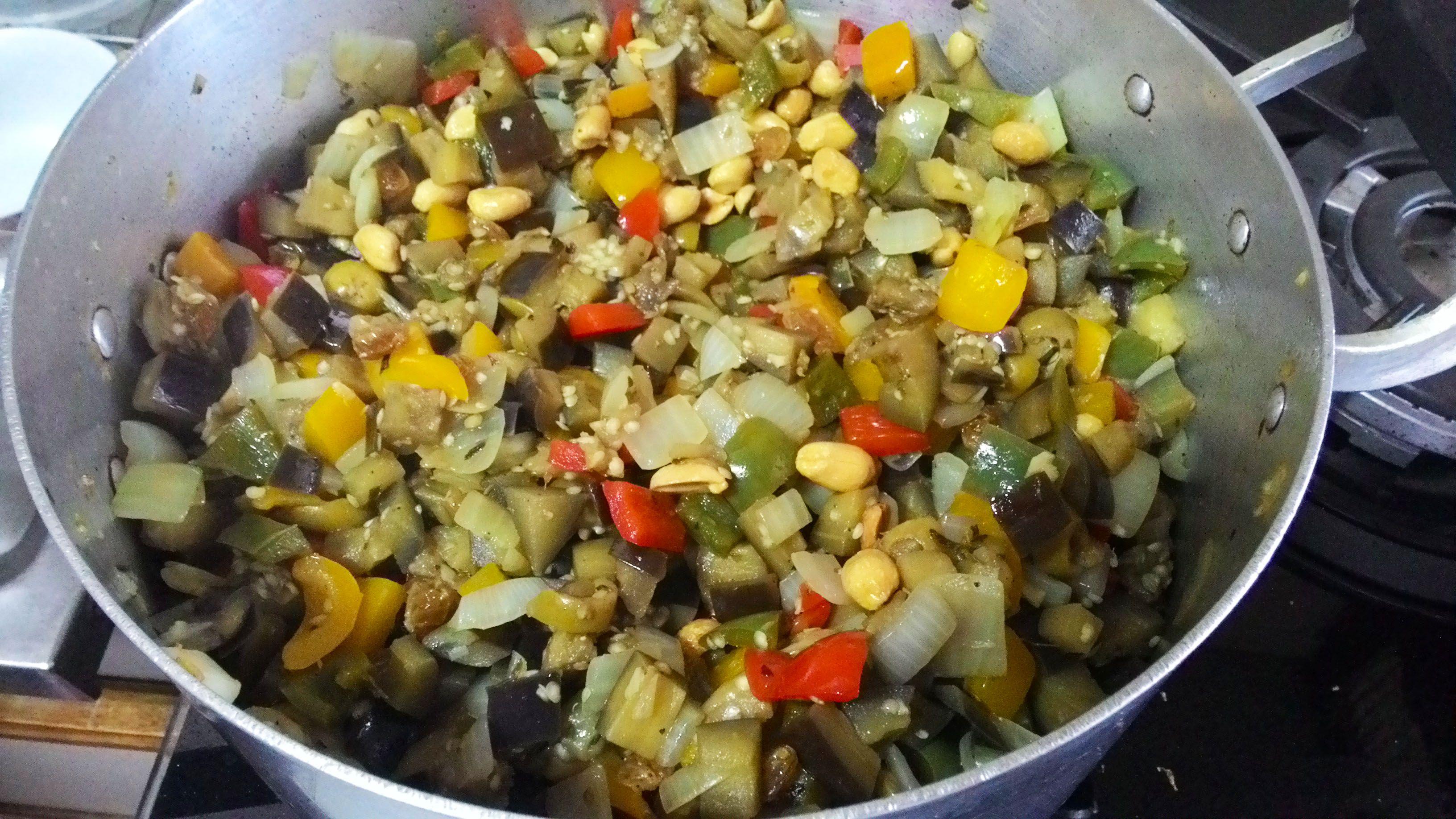Salada Mediterrânea (ou Antepasto de Berinjela)
