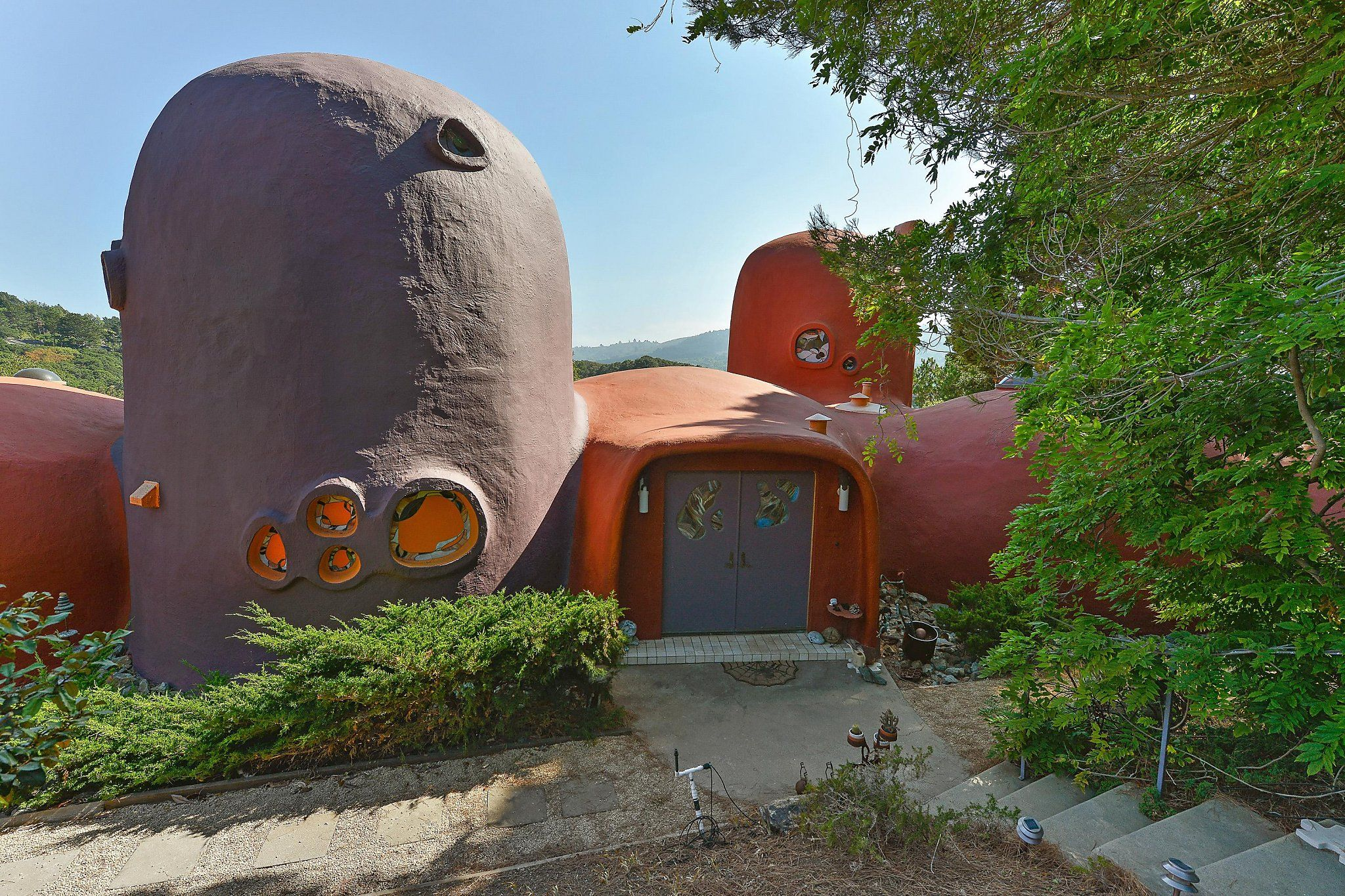 Hillsborough Suing Over Flintstone House Calling Additions An